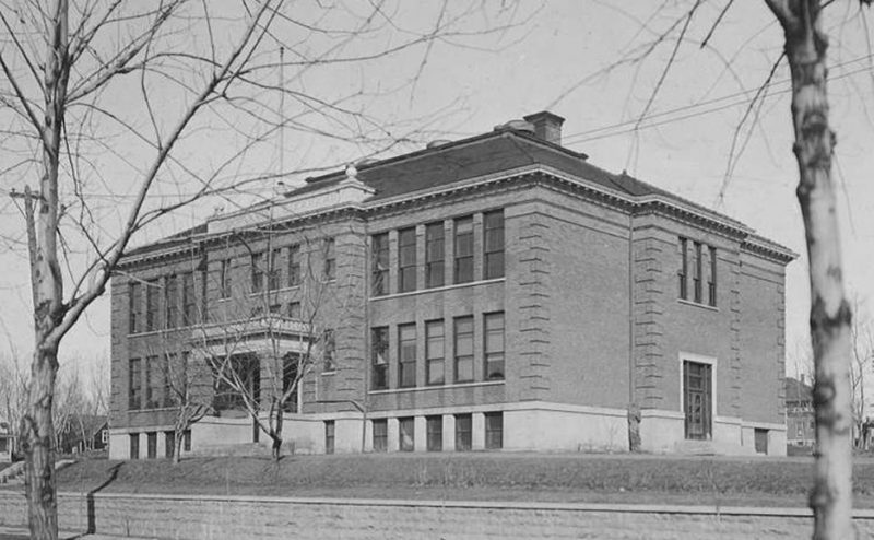 Image of the old Hunt School Building