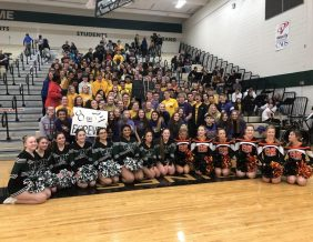 Students from West and East High team up to honor the late Kobe Bryant. Photo by Zach James, Sioux City Journal.